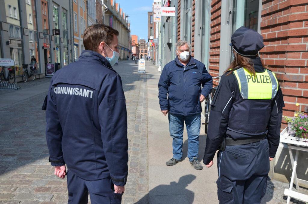 Kontrolle Polizeit und Ordnungsamt Stralsund